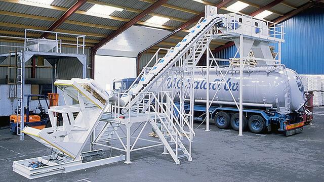 TBMA Galahad automatische zakkensnij zakkenleeg machine voor chemie en plastics industrie