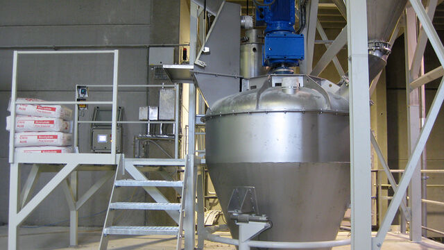 TBMA mixer for blending and homogenizing for chemicals plastics industry