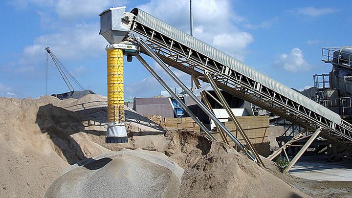 TBMA Moduflex loading chute stockpiling