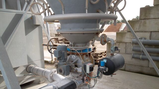 TBMA wear resistant rotary valves for minerals industry