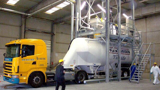 TBMA_bigbag_lossen_mobiel_met_bulk_truck_belading
